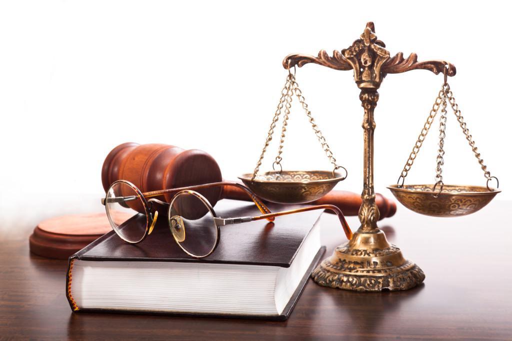 Поздравление Министра юстиции КР Айнур Абдылдаевой с Днем юриста