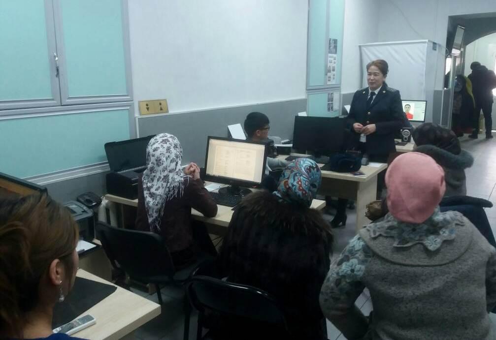 Государственный нотариус города Ош  организовала встречу со студентами Кыргызско-узбекского университета