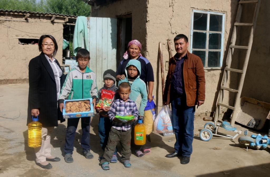 Сотрудники Управления юстиции Иссык-Кульской области провели ряд мероприятий в рамках месячника «Наши дети – будущее планеты!»
