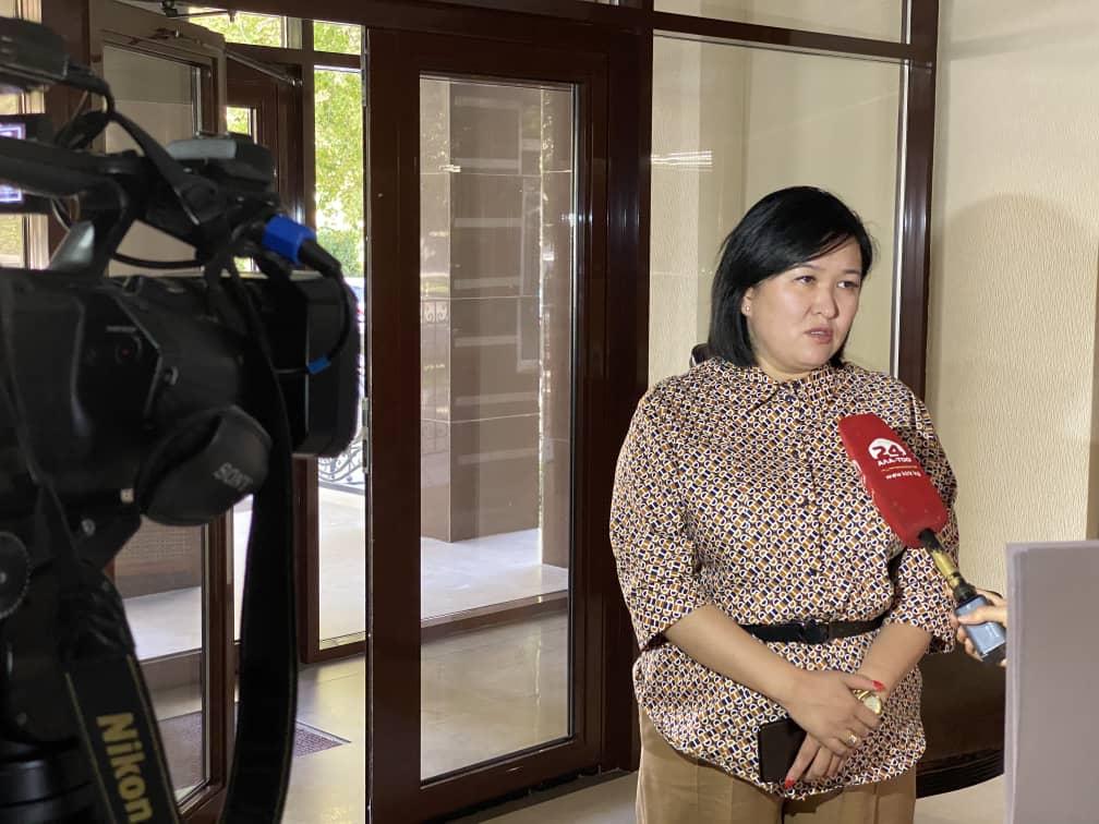Меры по совершенствованию законов «Об основах социального обслуживания населения в КР», «О госпособиях в КР», «О правах и гарантиях ЛОВЗ» и «Об охране труда» обсудили на круглом столе в Бишкеке