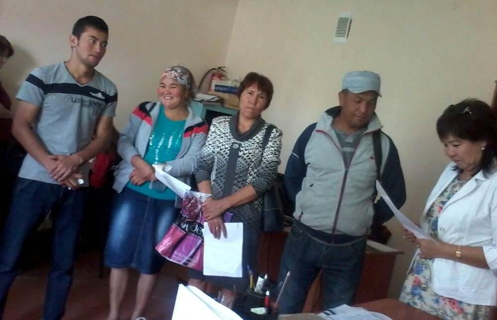 Государственный нотариус Джети-Огузского района провела праворазъяснительную работу для сотрудников КХ «Куралбек» и АВП «Саруу Жууку»