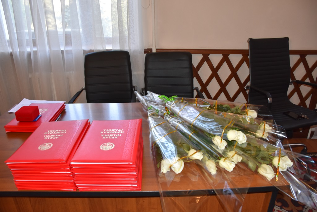В Министерстве юстиции Кыргызской Республики состоялась церемония награждения медицинских работников Национального госпиталя