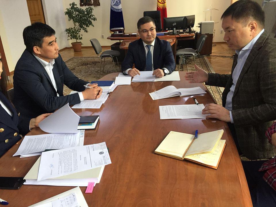 Министр юстиции КР Уран Ахметов встретился с руководителем Аналитического центра «БизЭксперт» Улуком Кыдырбаевым