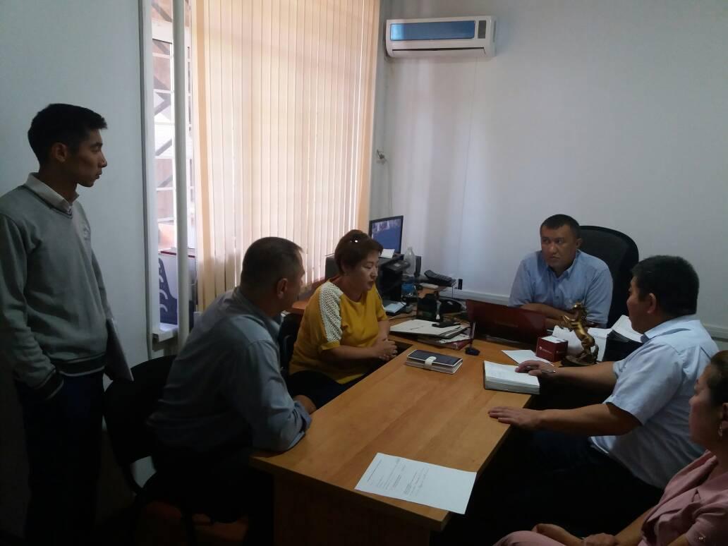 Государственным нотариусом в Ала-Букинским районе проведен круглый стол для работников банка