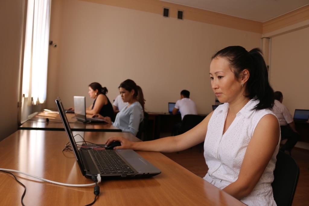 Адвокаттык лицензия алууга талапкерлер үчүн кезектеги квалификациялык экзамен өткөрүлдү