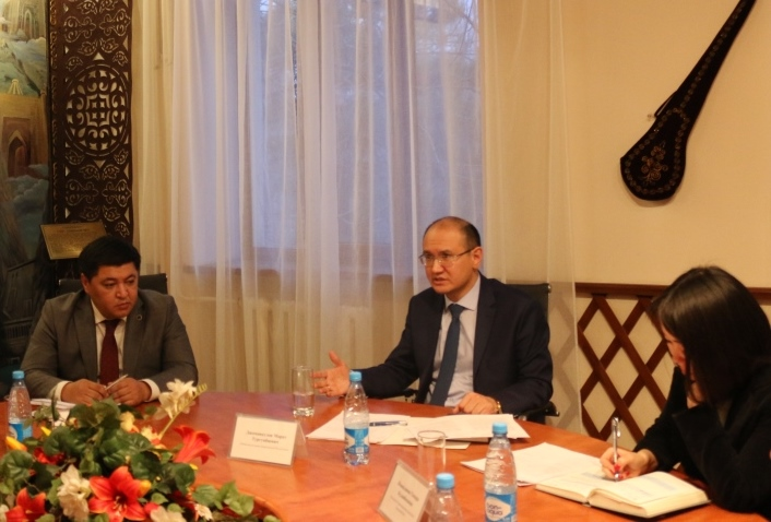 Марат Джаманкулов и представители Управления ООН по наркотикам и преступности обсудили вопросы сотрудничества