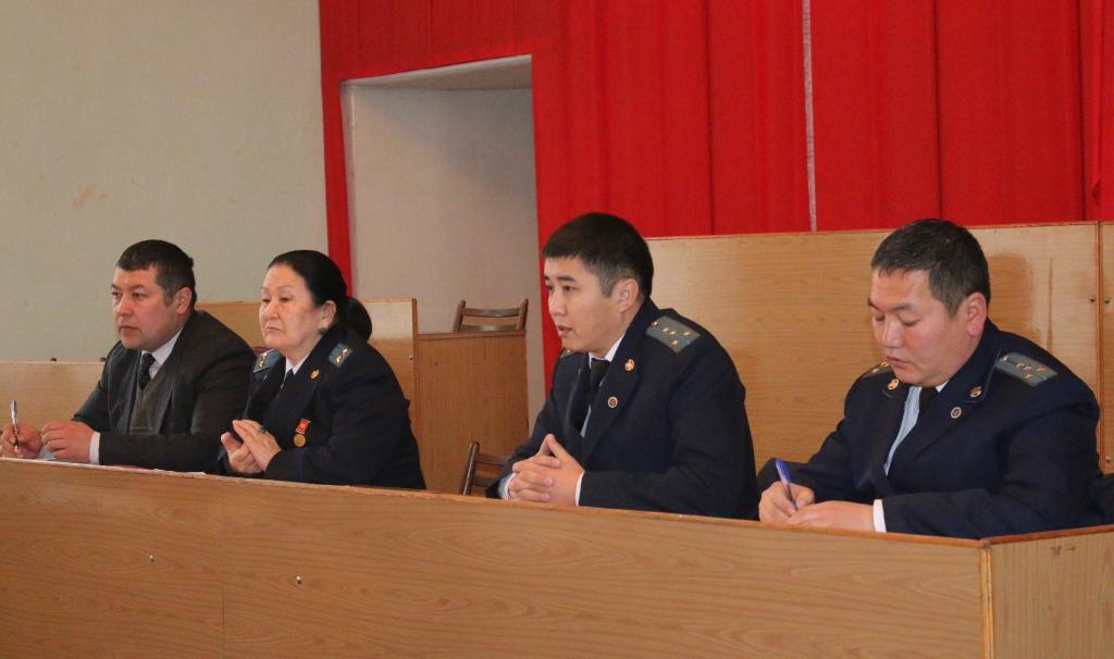 Сотрудниками Управления юстиции Ошской области и города Ош проведена встреча с работниками районной администрации
