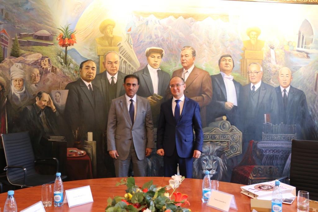 КРнын Юстиция министри жана Катардын Элчиси юстиция министрликтердин ортосундагы кызматташтыкты өнүктүрүүнү талкуулашты