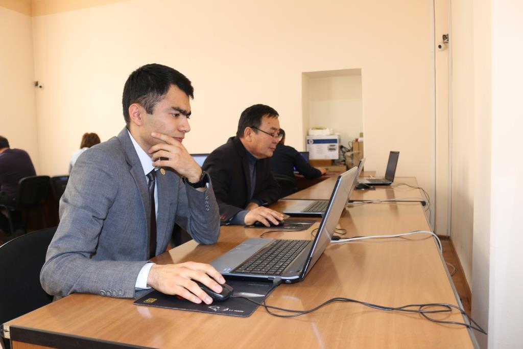 Адвокаттык лицензия алуу үчүн квалификациялык экзаменди  11 талапкер ийгиликтүү тапшырды