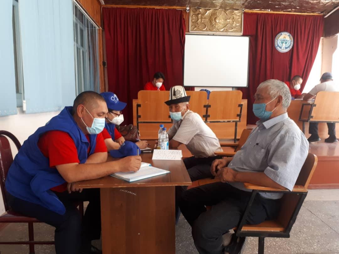Ош облусунун ϴзгөн районунун жашоочуларына 88 акысыз укуктук консультациялар берилди