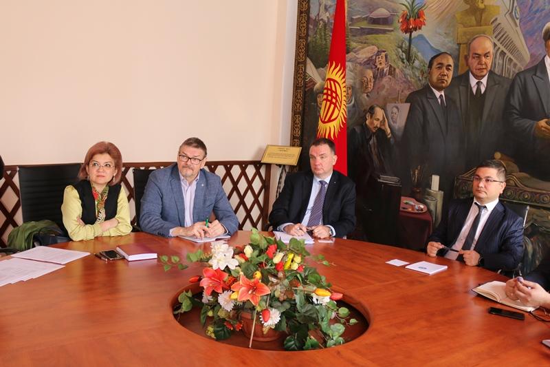 Уран Ахметов встретился с директором сферы местного электронного правительства Академии электронного управления Эстонии г-ом Ханнес Асток