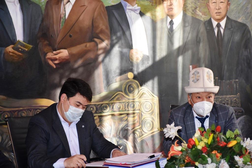 Кыргыз Республикасынын Юстиция министрлигинде Адвокаттык иш жүргүзүү укугуна лицензия алууга квалификациялык экзамен өткөрүлдү