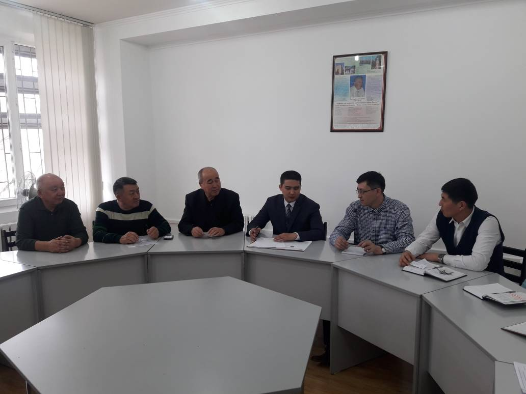 Чуй-Бишкекское управление юстиции провело круглый стол с представителями кредитных союзов и кооперативов