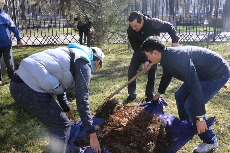 Сотрудники Министерства юстиции КР провели  субботник