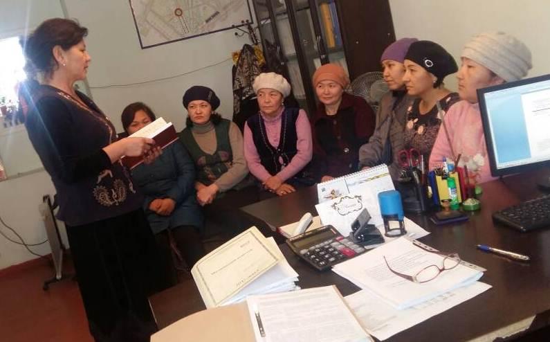 Государственный нотариус города Таш-Кумыр Жалал-Абадской области провела разъяснительную работу по вопросам противодействия коррупции