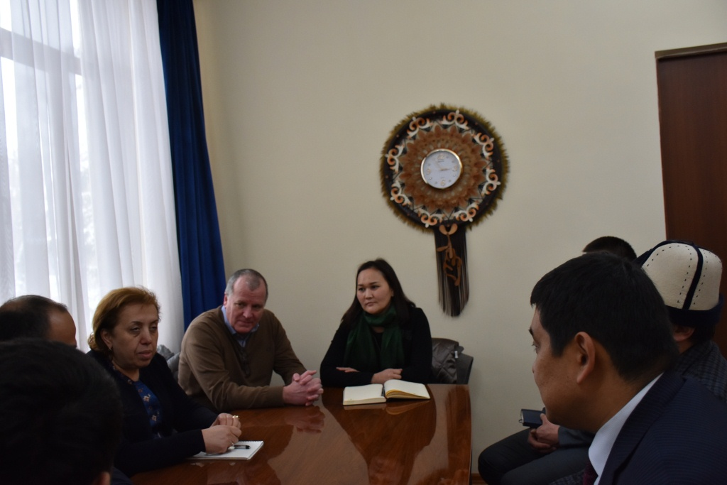 Кыргыз Республикасынын Юстиция министрлигинде Кыргыз Республикасындагы Кызыл Крест өкүлчүлүгүнүн Эл аралык Комитетинин өкүлдөрү менен жолугушуу болуп өттү