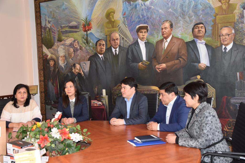 Встреча заместителя министра юстиции М. Канулькулова с представителями Фонда Сорос-Кыргызстан